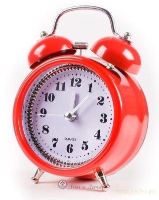 """Часы будильник """"Рэд классик"""" MAX-2832"""
